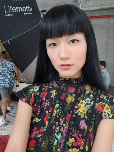Candice's on-set selfies from Alice and Olivia photoshoot